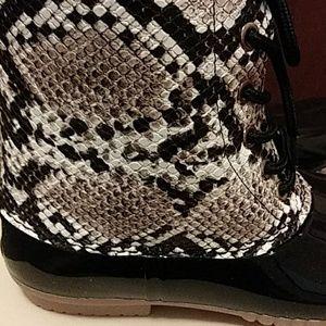 Woman snake skin Rain boots